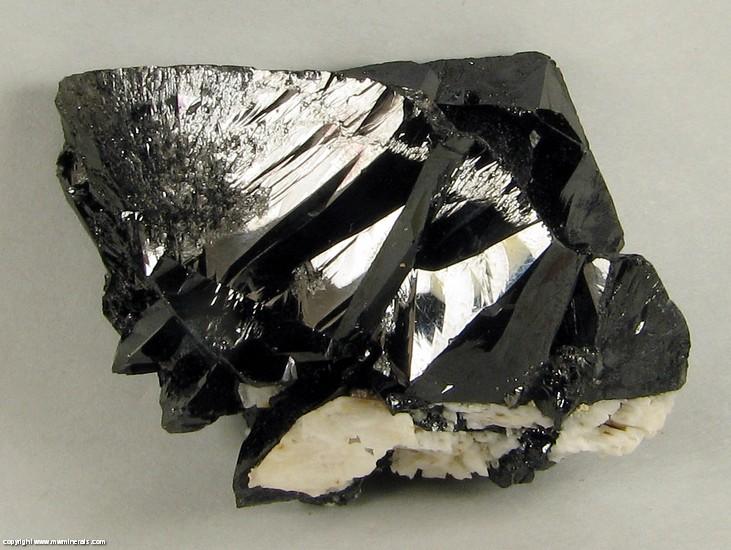 M & W Minerals